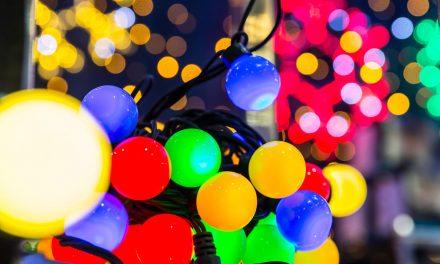 Quais as vantagens de usar lâmpadas coloridas?