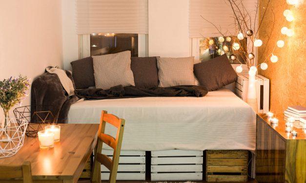 Aprenda como fazer uma decoração de quarto pequeno com capricho
